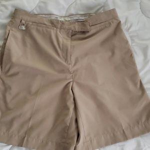 Liz Golf khaki shorts Kylie Size 8